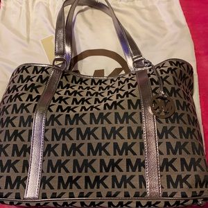 Michael kors monogram MK black & tan bag